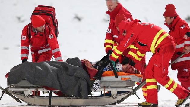 Simon Ammann: Die Diagnose! Aufprall mit 130 km/h (Bild: APA/EPA/DANIEL KARMANN)