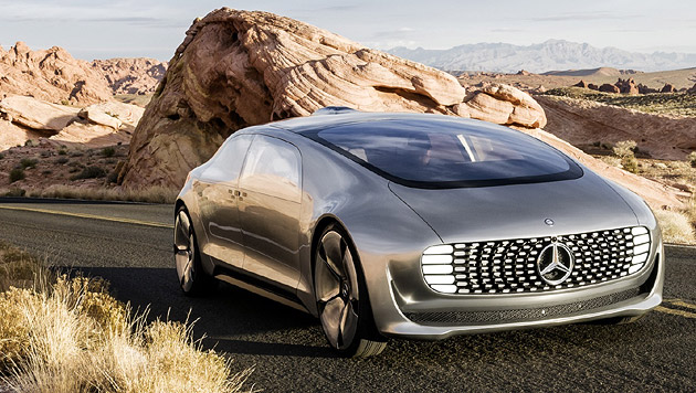 Daimlers futuristische Luxus-Limousine F 015 soll 2030 autonom fahren. (Bild: Daimler)