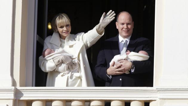 Albert und Charlene mit Gabriella und Jacques (Bild: AP)