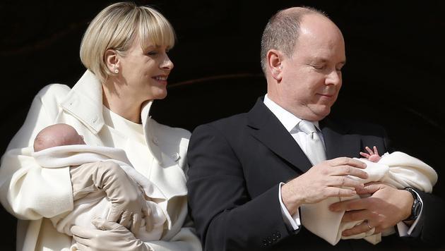 Albert und Charlene mit Gabriella und Jacques (Bild: AFP)