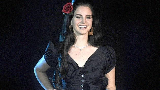 Lana Del Rey gibt Namen ihres neuen Albums bekannt (Bild: APA/EPA/HERBERT PFARRHOFER)