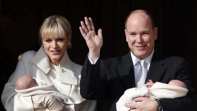 Bei ihrem ersten Auftritt sind Gabriella und Jacques vier Wochen alt. (Bild: APA/EPA/GUILLAUME HORCAJUELO)