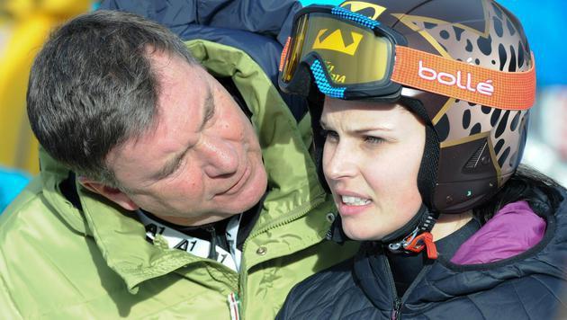 Manager Klaus Kärcher mit Anna Fenninger (Bild: APA/EXPA/ERICH SPIESS)