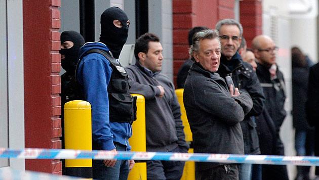 Spezialeinheiten in der Nähe des Tatorts von Donnerstag (Bild: AP)