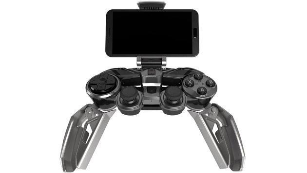 Eine Smartphone-Halterung für mobiles Spielvergnügen ist ebenfalls inklusive. (Bild: Mad Catz)