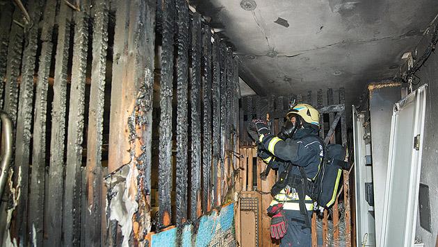 Feuerteufel zündet Keller an - Wohnhaus evakuiert (Bild: Werner Kerschbaummayr)
