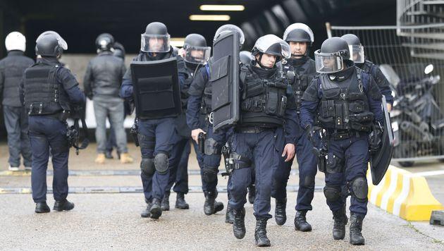Frankreich stimmt schärferem Anti-Terror-Gesetz zu (Bild: AFP)