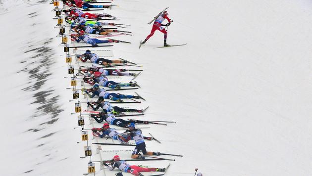 Biathlon: Loginow & Sednew des Dopings überführt! (Bild: APA/EPA/MARTIN SCHUTT)
