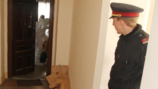 Axt-Mord in Wien: Täter lebte neben Leiche (Bild: ANDI SCHIEL)