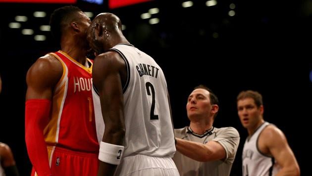 NBA-Star Kevin Garnett verpasst Gegner Kopfstoß (Bild: AFP)