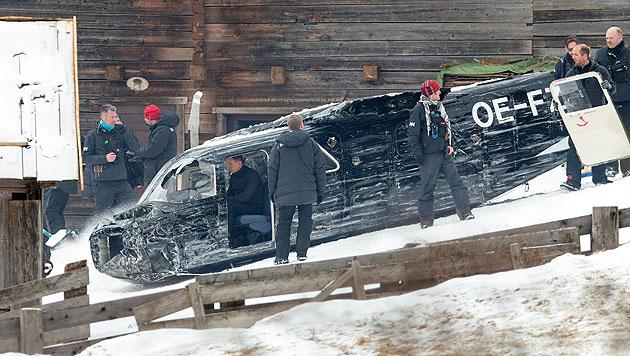 """Bond-Darsteller Daniel Craig (im Flugzeug sitzend)  bei den """"Spectre""""-Dreharbeiten in Osttirol (Bild: APA/EXPA/JOHANN GRODER)"""