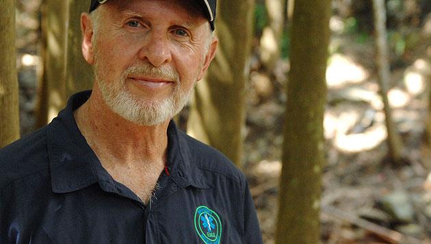 """Er ist der heimliche Star des Dschungelcamps: Robert """"Bob"""" McCarron (64) alias """"Dr. Bob"""". (Bild: (c) RTL / Stefan Menne)"""