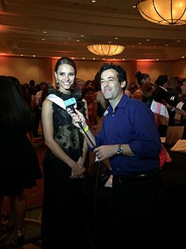 Julia muss auch in Miami viele Interviews führen. (Bild: Julia Furdea)