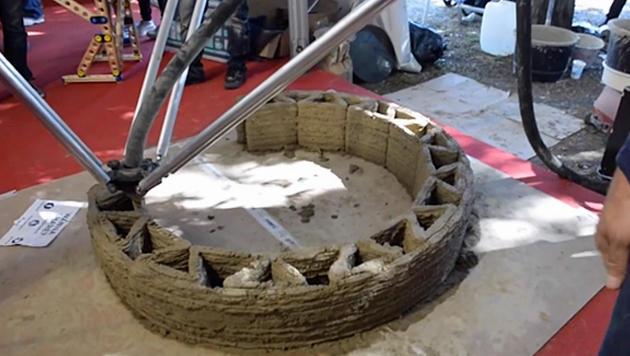 Italienischer 3D-Drucker baut Häuser aus Lehm (Bild: WASP)