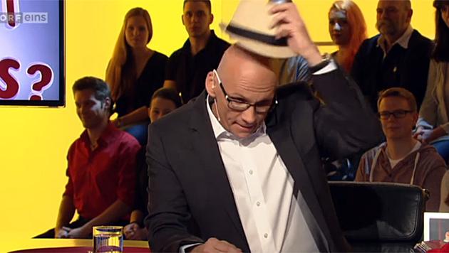 Oliver Baier überrascht TV-Publikum mit Glatze (Bild: tvthek.orf.at)