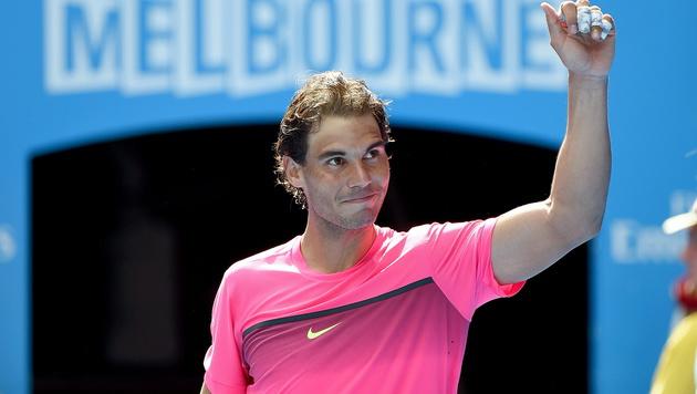 Rafael Nadal atmet nach Erstrundensieg auf (Bild: APA/EPA/JOE CASTRO)