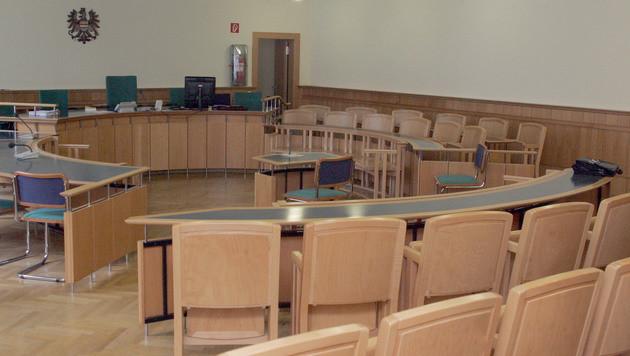 Angeklagter rastet in Gerichtssaal völlig aus (Bild: ANDI SCHIEL)