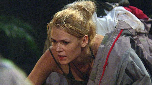 Sara versucht, die beiden zu trösten. (Bild: RTL/Stefan Menne)