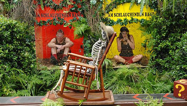 Walter und Tanja bei der Dschungelprüfung (Bild: RTL/Stefan Menne)