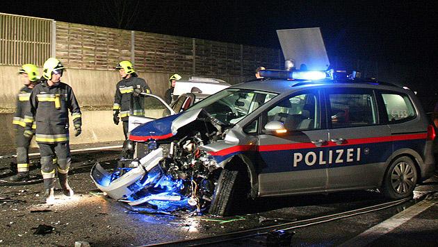Geisterfahrer (68) rammte Polizeiauto - verurteilt (Bild: APA/STADTFEUERWEHR TULLN/UNBEKANNT)