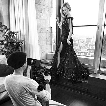 Wow! Auch im Abendkleid macht Angelina eine gute Figur. (Bild: facebook.com/angelinaheger)