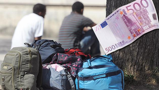 Für 30 Euro per Bus zum Asylantrag (Bild: APA/HELMUT FOHRINGER, thinkstockphotos.de)