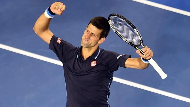 Novak Djokovic souverän im Achtelfinale (Bild: APA/EPA/Filip Singer)