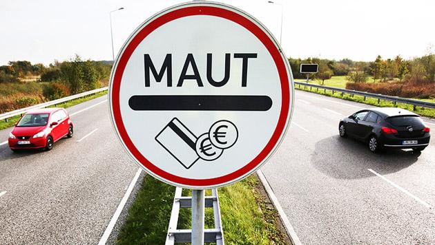 EU lässt uns mit Kritik an Merkels Maut abblitzen (Bild: APA/EPA/BERND WUESTNECK)