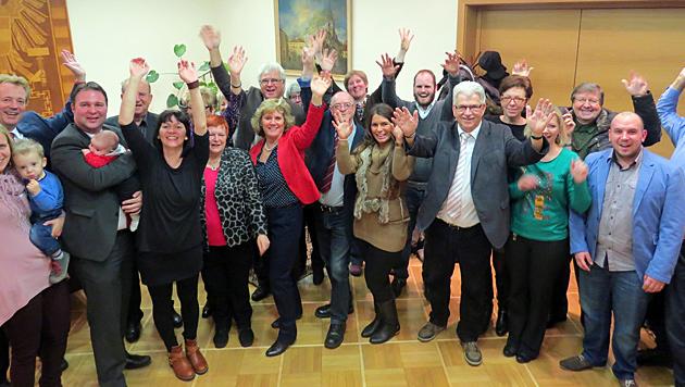 Partystimmung bei der SP-Traiskirchen: Bgm. Babler holte trotz Erstantritt historische 73,1 Prozent. (Bild: Stadtgemeinde Traiskirchen)