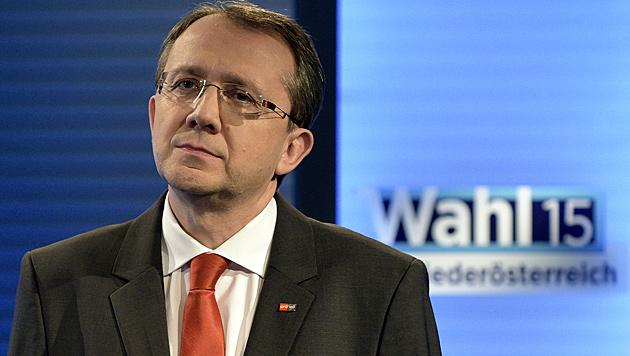 """Stadler sprach von """"teilweise sehr erfreulichen"""" SPÖ-Ergebnissen. Viele Listen hätten """"geknabbert"""". (Bild: APA/Hans Punz)"""