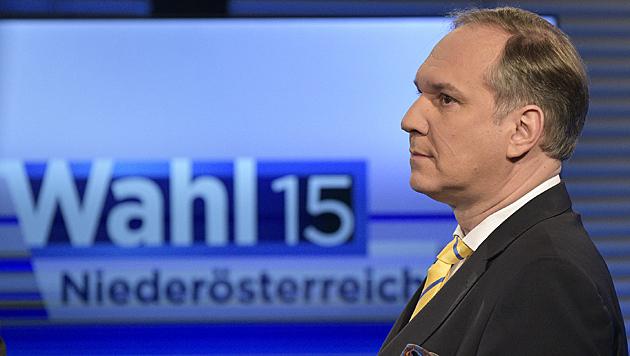 """Rosenkranz: """"Ein schöner Tag für die Freiheitlichen und vor allem für die Kandidaten."""" (Bild: APA/Hans Punz)"""