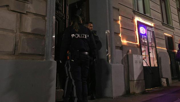 Opfer (35) wurde gefesselt und mit Tuch erdrosselt (Bild: APA/HERBERT P.OCZERET)