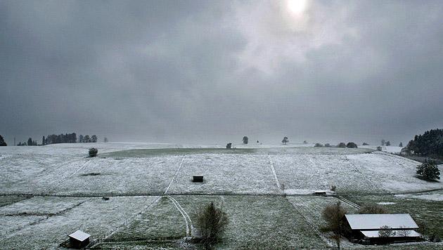 Zunächst noch mild, doch dann folgt Wintereinbruch (Bild: dpa/Karl-Josef Hildenbrand)