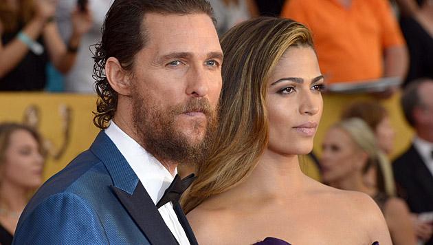 Matthew McConaughey und Camila Alves (Bild: APA/EPA/PAUL BUCK)