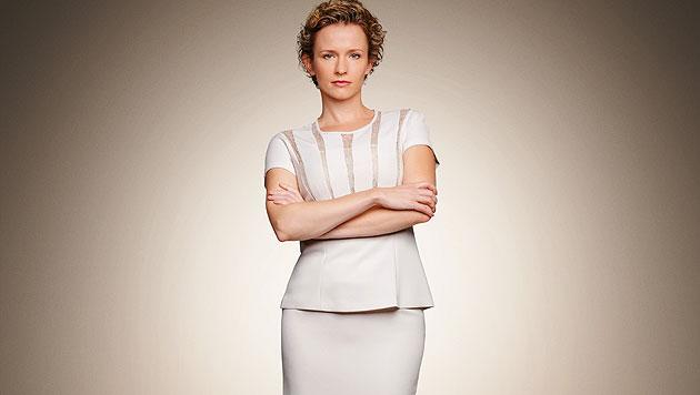 Sabine Herold (Adina Vetter) ist die mittellose Ex-Gattin, muss sich durchschlagen. (Bild: ORF)