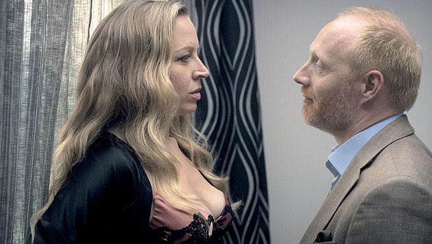 Nina Proll spielt Nicoletta, die Geliebte, die sich nach mehr sehnt. (Bild: ORF)