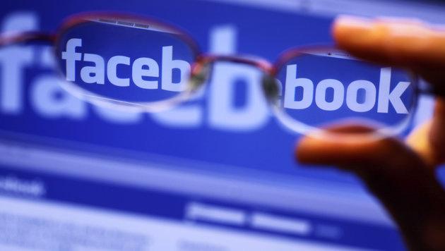 Schrille Idee: Facebook testet bunte Kommentare (Bild: APA/dpa-Zentralbild/Jens Büttner)
