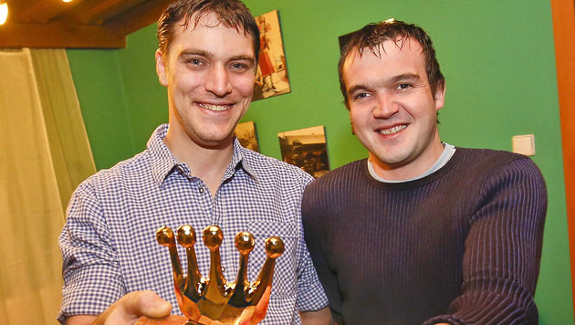 """Manuel Grubmüller und Hans Reichl erhielten die """"Goldene Krone"""". (Bild: MARKUS TSCHEPP)"""