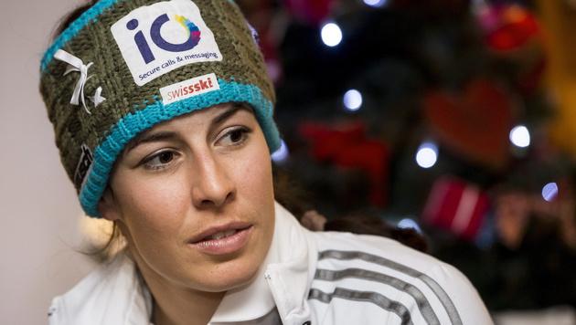 Olympiasiegerin Gisin fällt für Speed-Bewerbe aus (Bild: APA/EPA/JEAN-CHRISTOPHE BOTT)