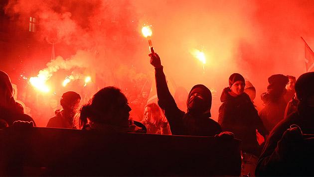 Pegida-Aufmarsch: Wien droht nächste Krawallnacht (Bild: APA/HERBERT P.OCZERET)