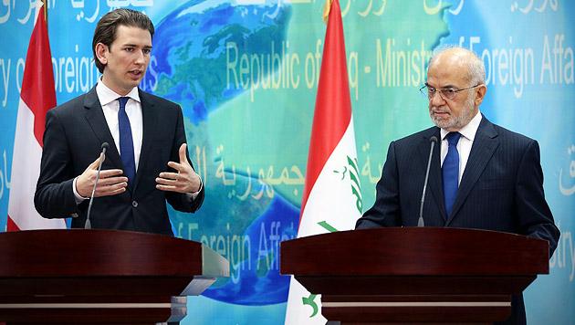 Außenminister Kurz auf heißem Pflaster im Irak (Bild: AP)
