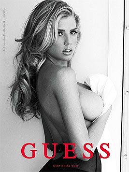 Charlotte McKinney wirbt für Guess. (Bild: instagram.com/charlottemckinney)