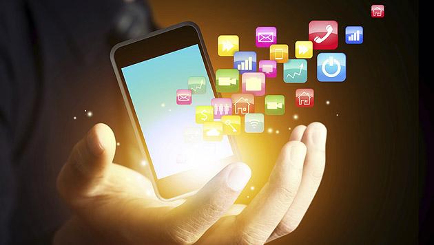 Mobiles Internet überholt Handygespräche (Bild: thinkstockphotos.de)