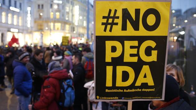 """Pegida distanziert sich von """"Provokateuren"""" (Bild: Reinhard Holl)"""