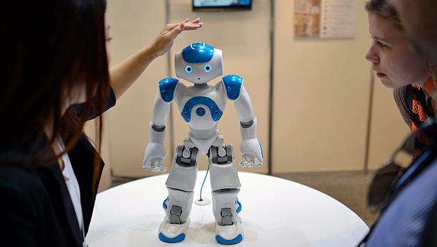 NAO wurde 2006 erstmals produziert. Seither wurden seine Fähigkeiten laufend verbessert. (Bild: FRANCK ROBICHON/EPA/picturedesk.com)