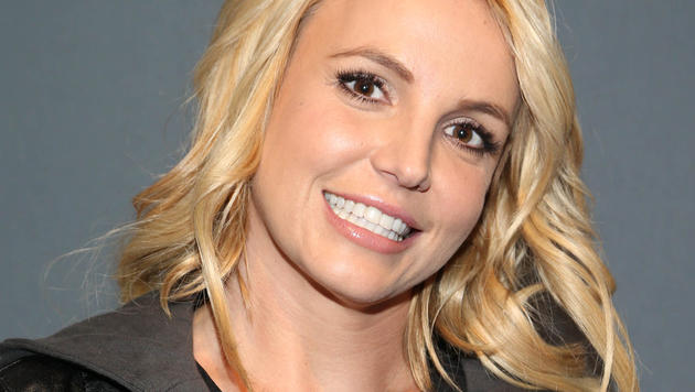Britney Spears läuft barfuß durch jeden Dreck. (Bild: AP)