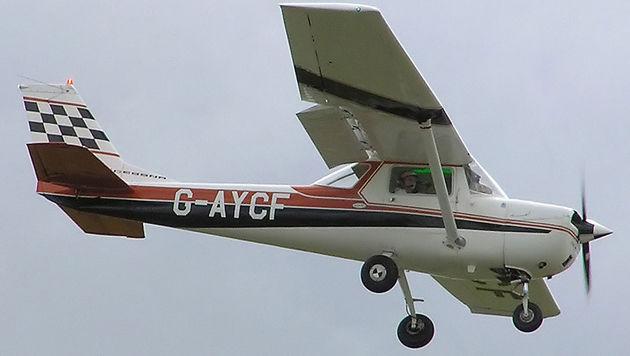Cessna 150K: Mit diesem Flugzeugmodell war der verunglückte Selfie-Pilot unterwegs. (Bild: Wikimedia Commons / Adrian Pingstone)