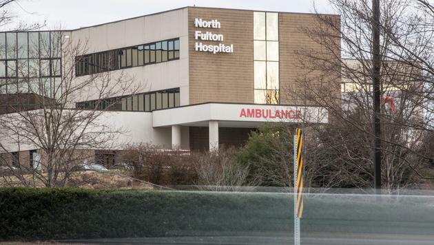 Das North Fulton Hospital, in welches Bobbi Kristina gebracht wurde, als man sie fand (Bild: AP)