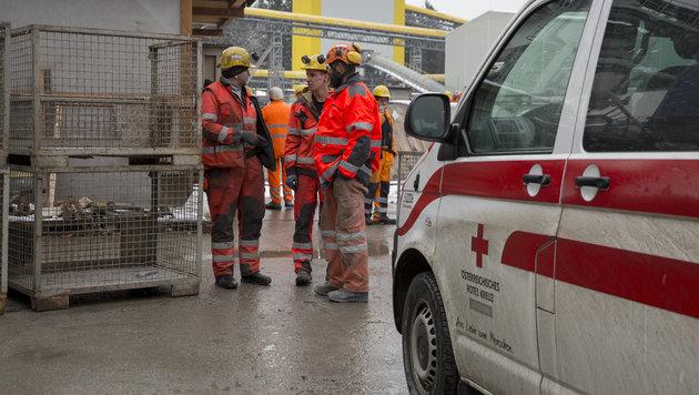 Brand im Koralmtunnel: Alle Arbeiter gerettet (Bild: APA/ERWIN SCHERIAU)