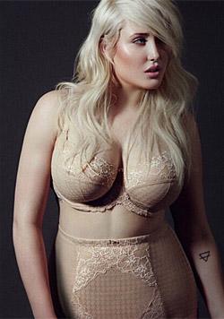 Hayley Hasselhoff arbeitet als Plus-Size-Model. (Bild: instagram.com/hhasselhoff)